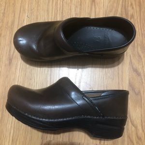 Dansko Professional Leather Nurse Clogs Brown 37